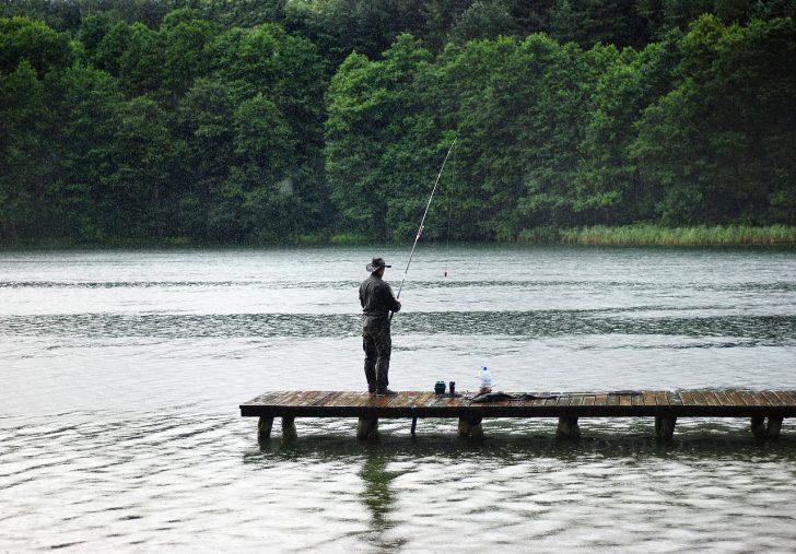 梅雨バス釣り