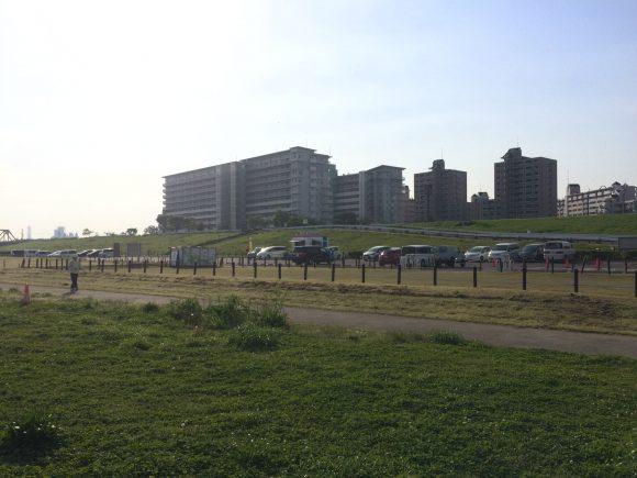 城北ワンド駐車場