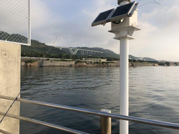翼港防波堤の先端