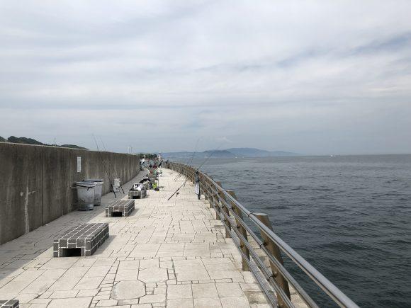 防波堤の中間