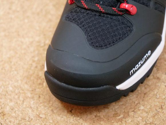 メッシュ素材の磯靴
